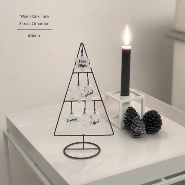 シンプルなワイヤーフックツリー
