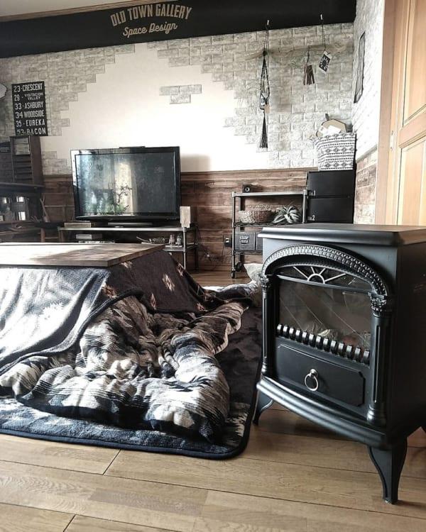 暖炉型のヒーター