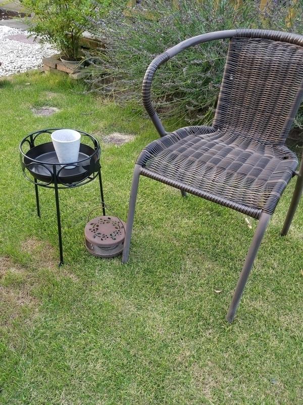 庭に椅子やベンチをおこう!7