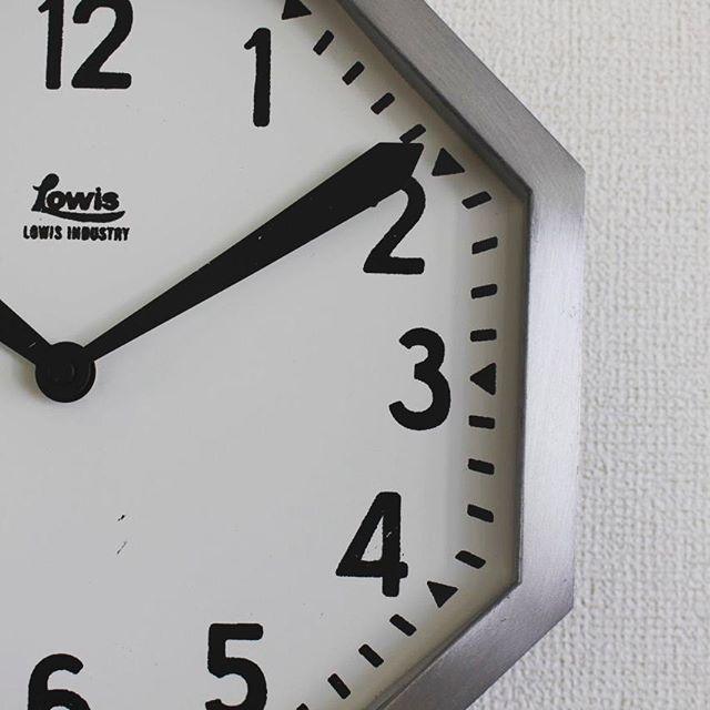 インテリアのアクセントに!デザイン性の高い壁掛け時計3