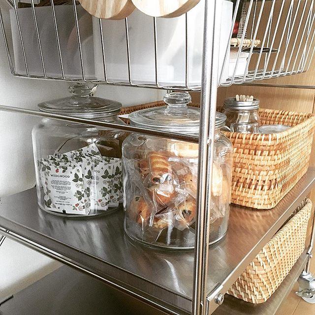 IKEA ガラス製のふた付き容器