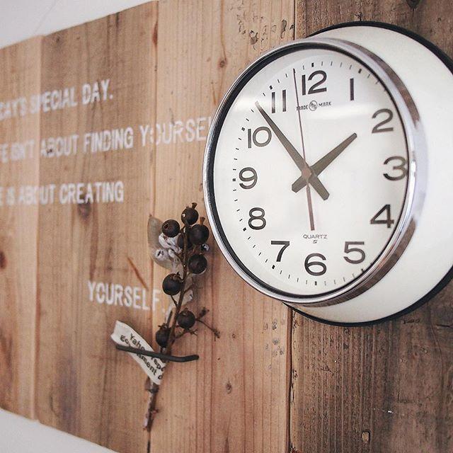 どんなインテリアにもマッチするシンプルな壁掛け時計4