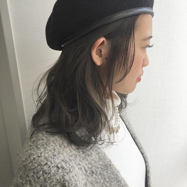 長い前髪を活かした魅力的なヘアスタイル44