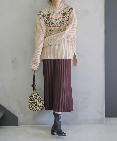 リブプチハイネックカラー刺繍ざっくり編みサイドスリット後ろ長めイレギュラーヘム長袖ニット