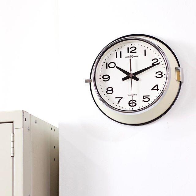まだまだあります!個性的な壁掛け時計たち☆