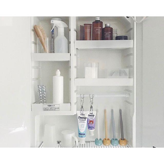 歯ブラシ収納 鏡の裏5