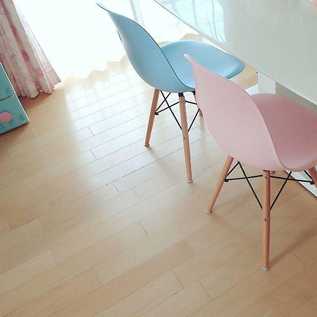 ピンクの家具は目立たせる2
