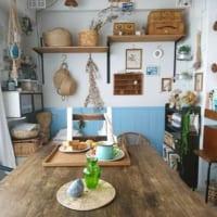 ちょっと懐かしい♪カフェ風のおしゃれ空間を実現する腰板を使ったインテリア