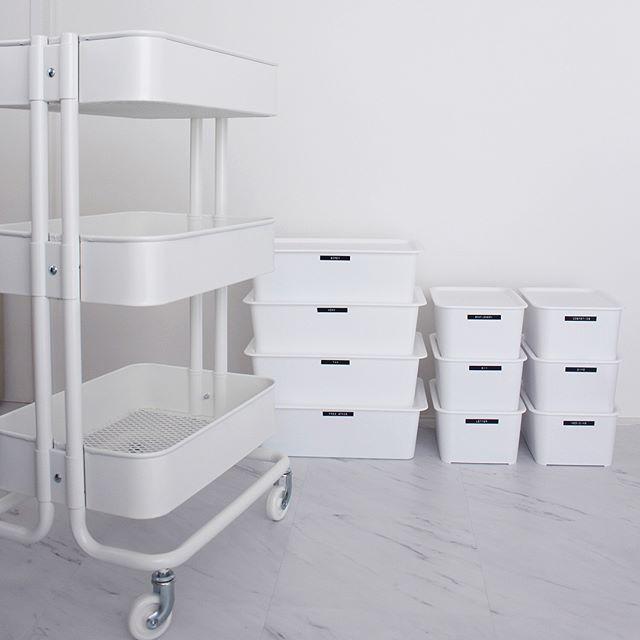 IKEAのアイテムを使った机周りの収納3