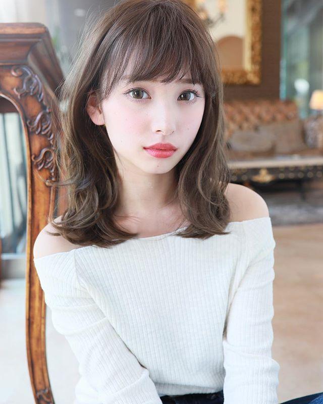 デートにぴったりな髪型・ミディ〜セミディ2