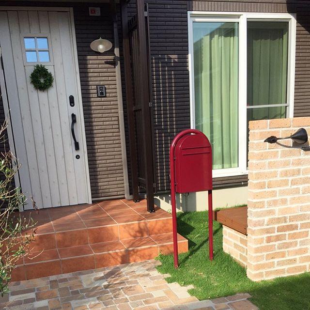 おしゃれな郵便ポストがある風景4