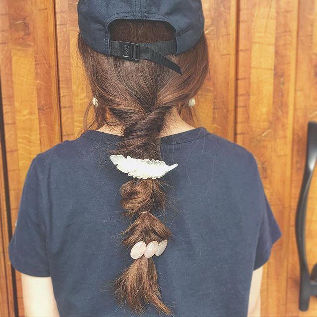 帽子をかぶっている際のヘアアレンジ特集15