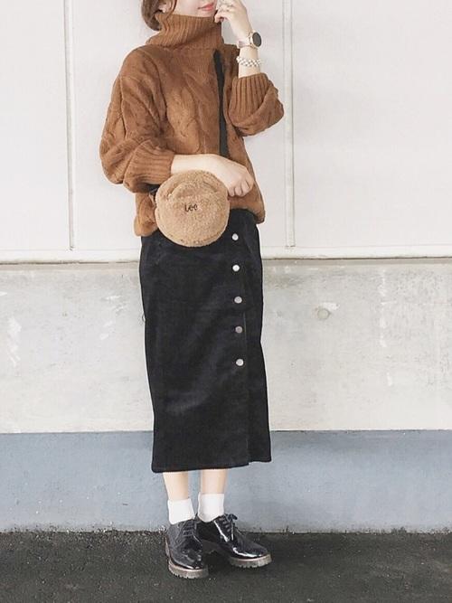 ケーブルニット×コーデュロイスカート