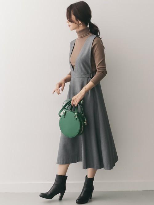 サイドベルト付ジャンパースカート