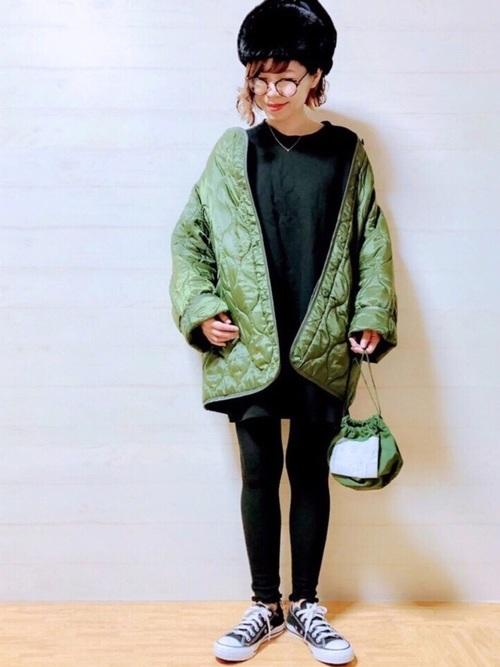 緑×ブラックコーデ12