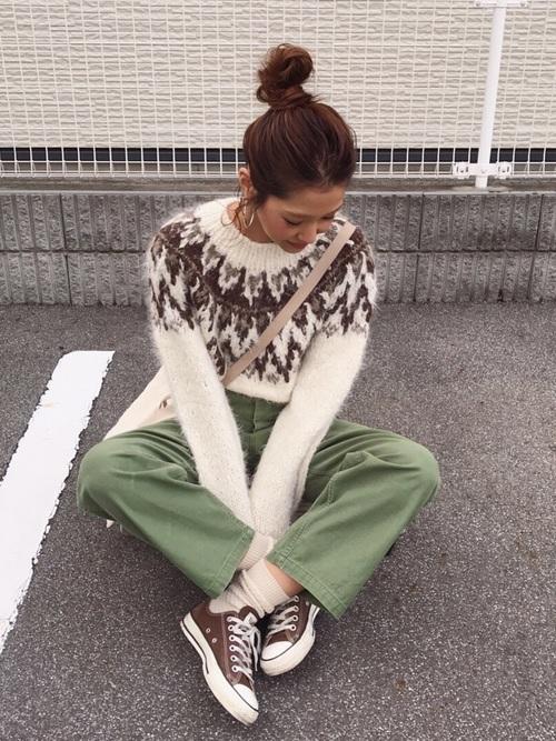 緑×ブラウンコーデ3