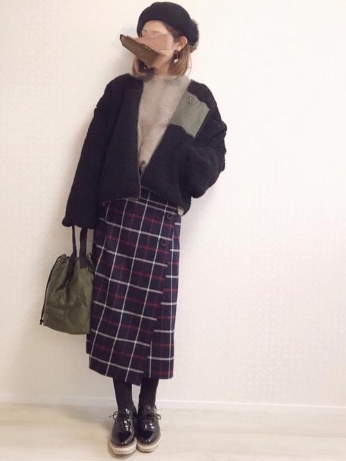ウインドペンボタンタイトスカート