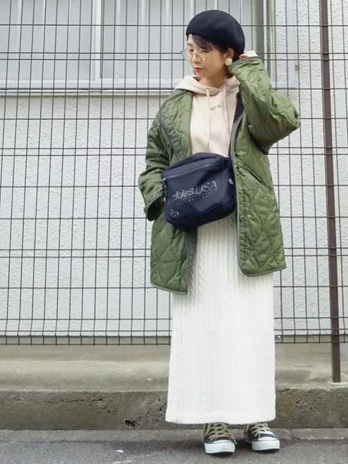 緑×ベージュコーデ6