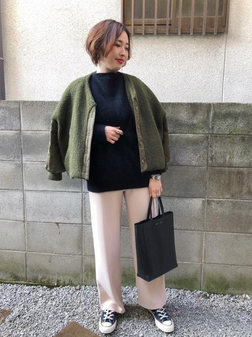 緑×ブラックコーデ11