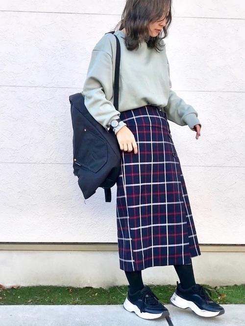 ウインドペンボタンタイトスカート2