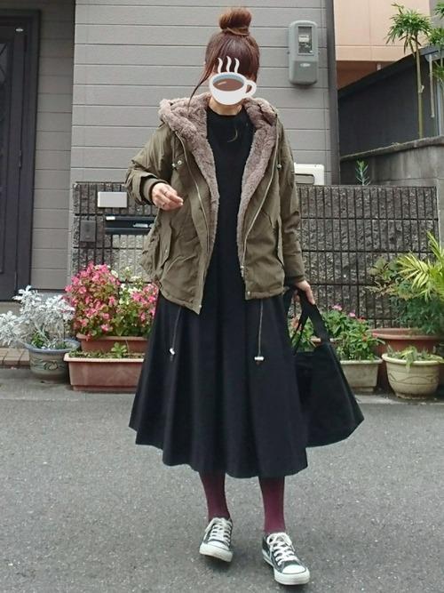 緑×ブラックコーデ13