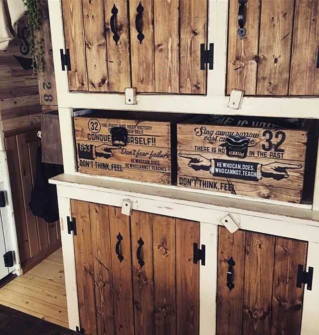 収納棚にウッドボックスを活用2