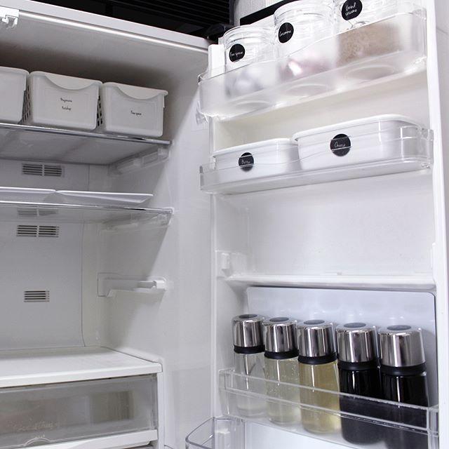 冷蔵庫の中身も詰め替えてスッキリ