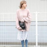 大人フェミニンな雰囲気をUP♡「ピンク系トップス」でコーデの脱マンネリ!