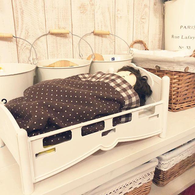 お人形さんにはベッドを