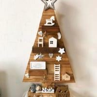 素朴で素敵♪木の温もりを感じるクリスマスオーナメントの飾り方