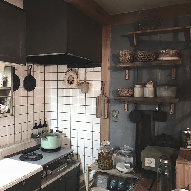 アンティーク感のあるキッチン