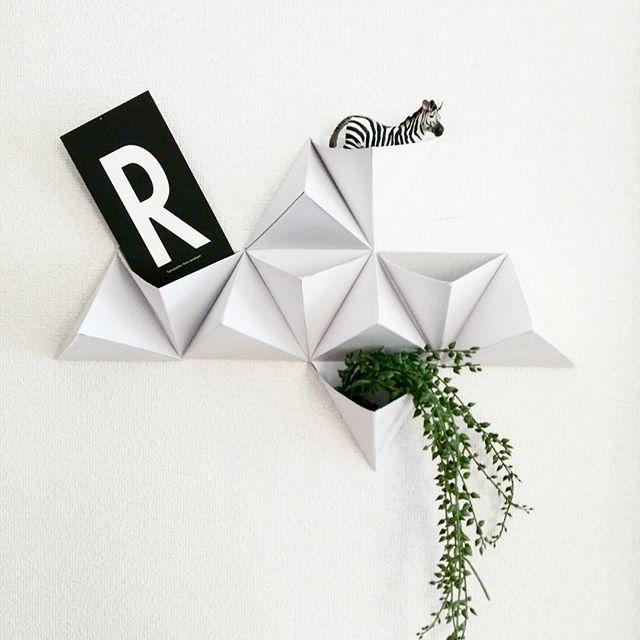 折り紙を壁面収納に