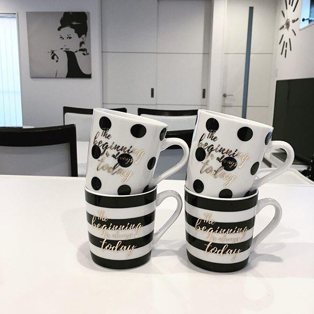 モノトーンなお部屋には、モノトーンなマグカップを♪