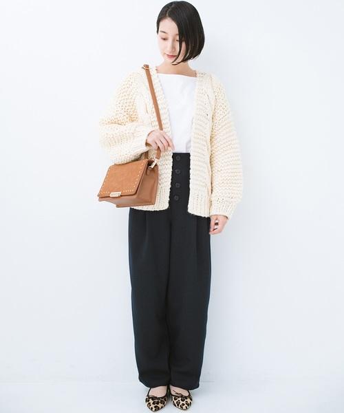 手編みのざっくりニットカーディガン