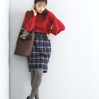 今季はグレー系のタイツでこなれ感を♪スカートと組み合わせたお手本コーデ集!