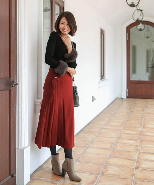 [Tiaclasse] 大人の女性らしさを演出できるミモレ丈ニットスカート