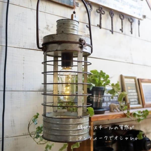 素敵なランプのあるインテリア4