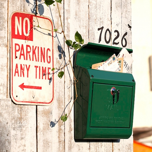 おしゃれな郵便ポストがある風景9