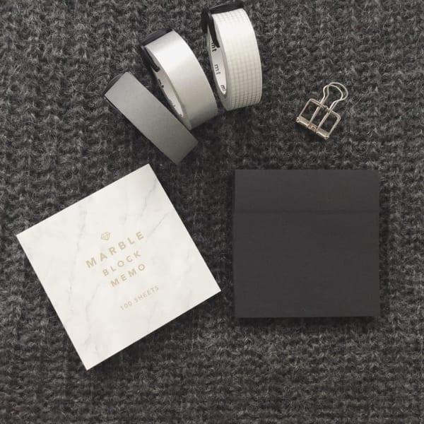 【セリア】ブラックの付箋