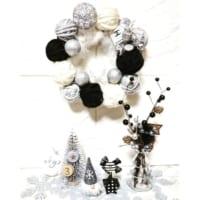 【セリア・ダイソーetc.】アイテムで作る!可愛らしいクリスマスリースのDIYアイデア