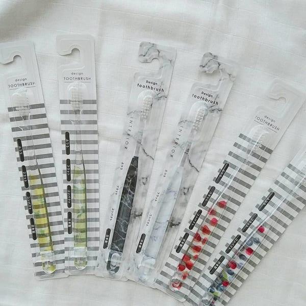 【セリア・ダイソー・キャンドゥ】のおしゃれな歯ブラシ2