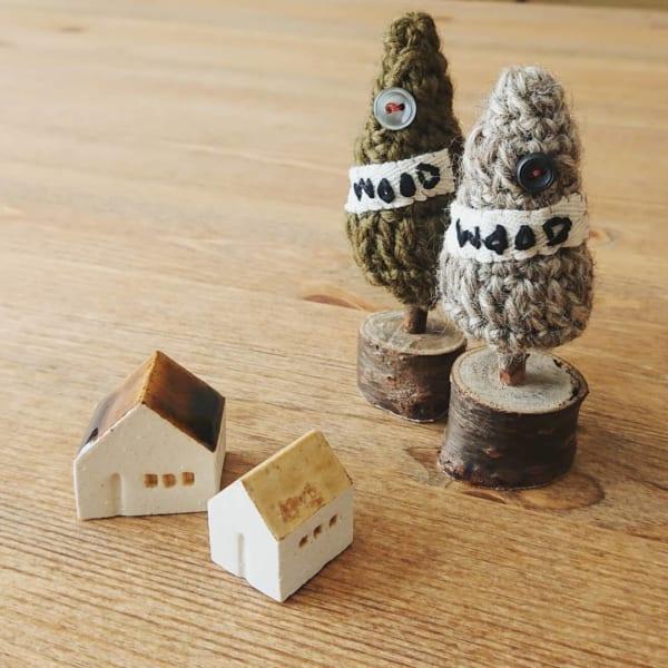 毛糸で作った木のオブジェ