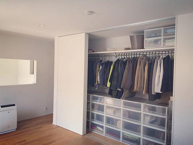 クローゼット収納 棚にぴったり収まるサイズの収納ボックスを使う2