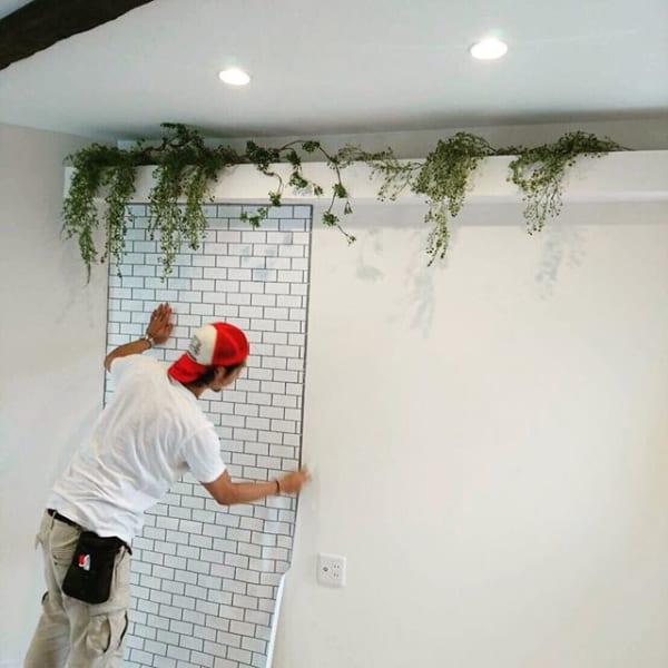 お部屋のDIYアイデア⑤壁紙を張り替えて部屋のイメージを変える1
