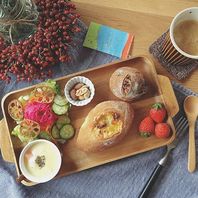 色鮮やかで食欲をそそる洋風の朝食9
