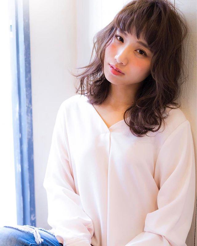前髪ありの大人かわいいスタイル6