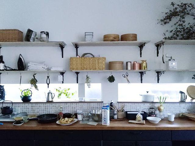 キッチンインテリア 見せる収納