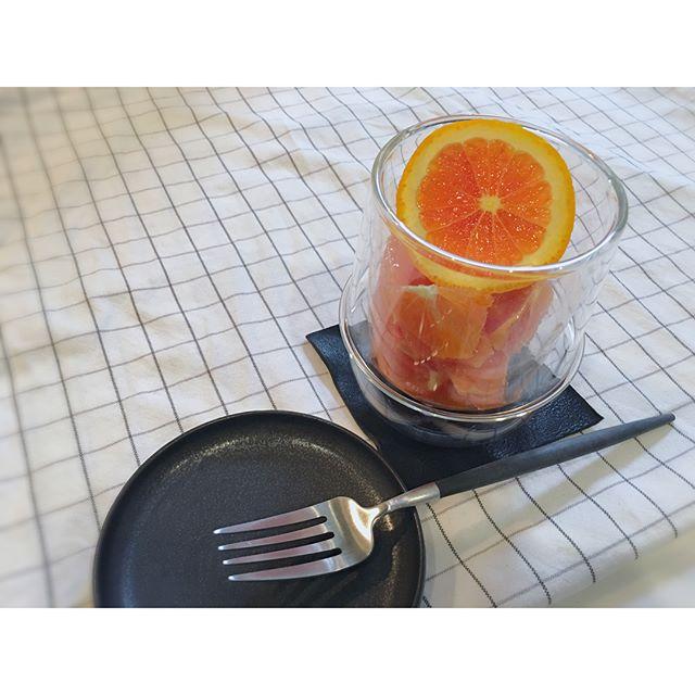コップ活用 フルーツを盛り付け