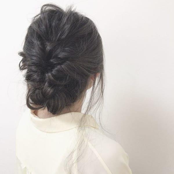 黒髪ミディアム アレンジスタイル12