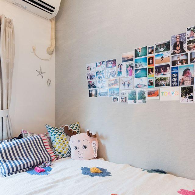 他にも写真やウォールシールで狭い壁の雰囲気を変えよう
